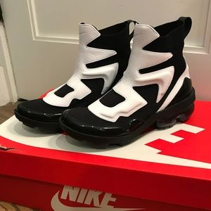 Nike Air Vapormax Light II Sneaker - NEW IN BOX